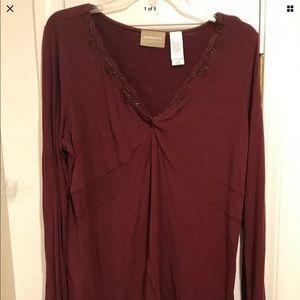 Liz Claiborne L burgundy wine top